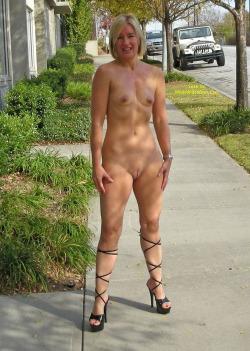 Femme mariée veut découvrir le sexe anal dans le 34