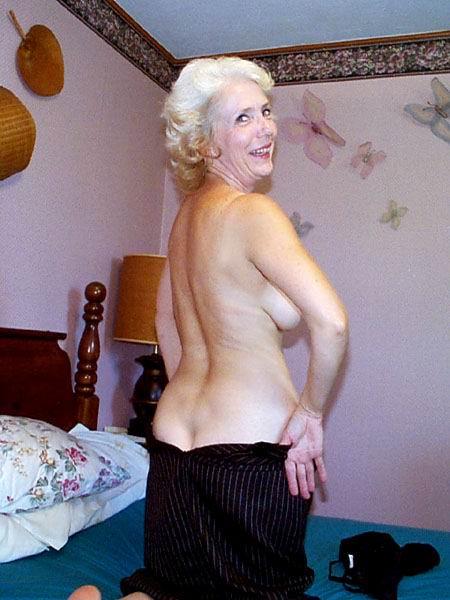Femme mariée veut découvrir le sexe anal dans le 54