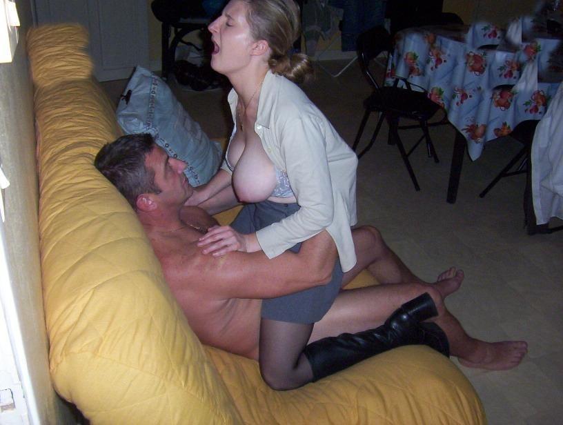 Femme mariée cherche un plan cul à trois avec deux inconnus sur le 06