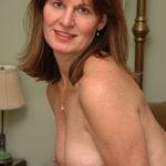 Femme mariée veut découvrir le sexe anal dans le 09