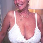 Femme mariée veut découvrir le sexe anal dans le 28