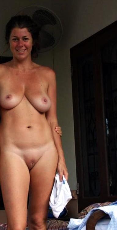Rencontrez une épouse infidèle du 25